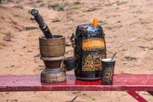 imagen del terere paraguayo con termo y bombilla